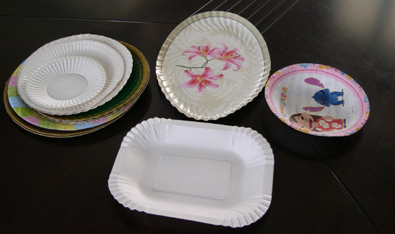 paper plates, paper trays